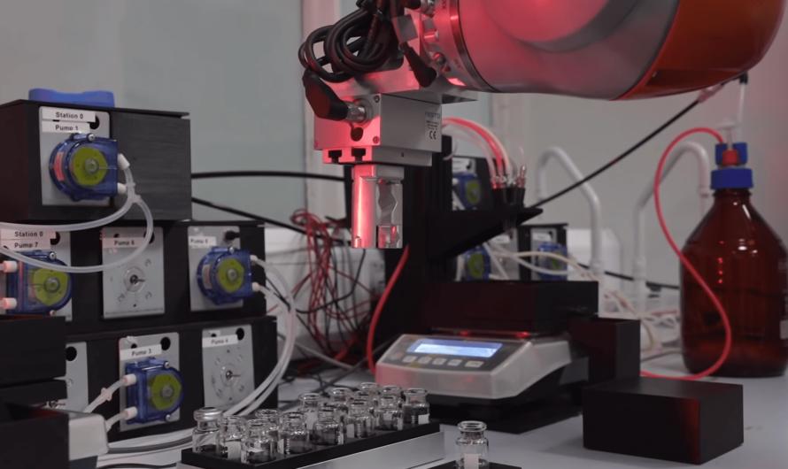 Учёные создали робота-химика, который может проводить 98 миллионов опытов