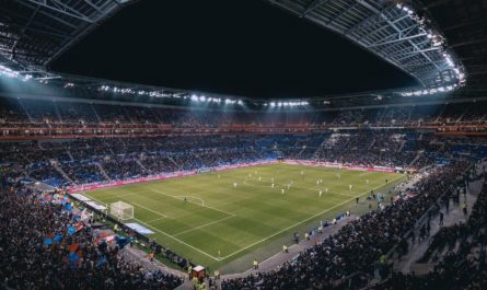На футбольном матче «умная» камера с ИИ перепутала лысину судьи с мячом