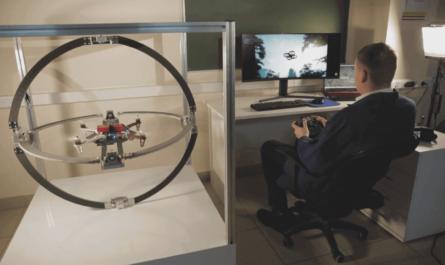 Тренажёр, объединяющий виртуальную реальность и дрон