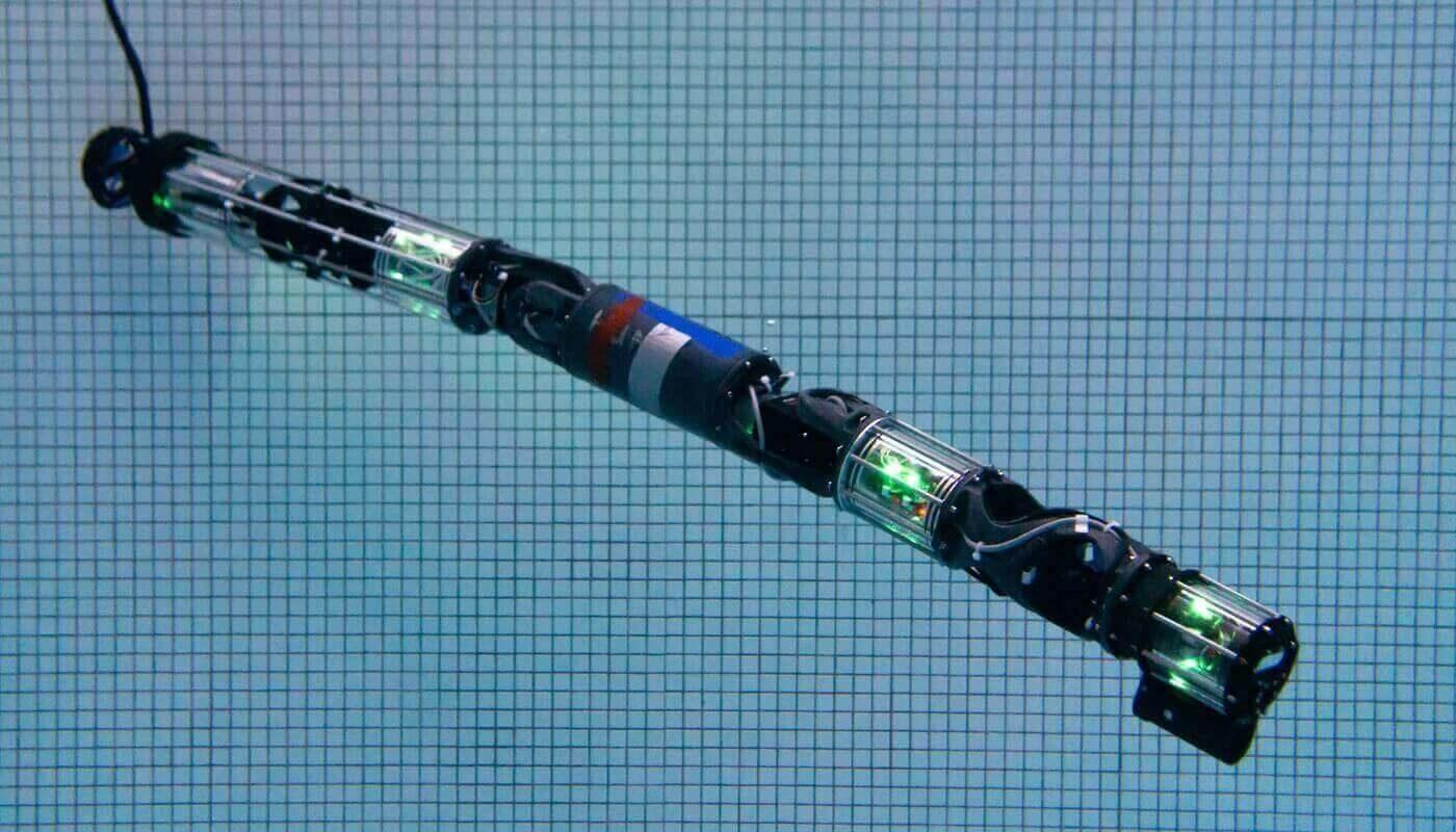 HUMRS робот-змея