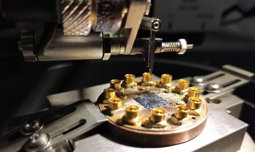 В МФТИ создали первую российскую квантовую микросхему